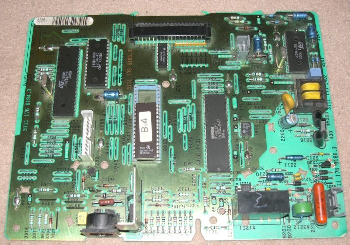 http://hxc2001.free.fr/minitel/minitel2_motherboard.jpg